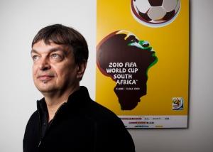 Jerome Champagne wants Sepp Blatter's job. Do FIFA's 209 members want him?
