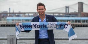 Frank Lampard tries to build a bridge