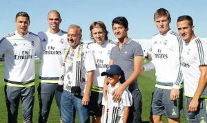 Road fromDamascus: Syrian refugee Osama Mohsen and his family meet Real Madrid's stars.